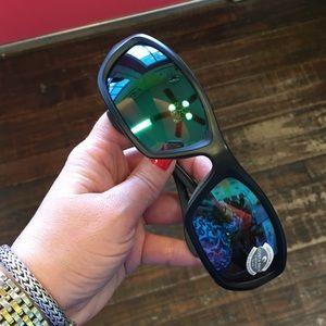 95e43745fbe2c Costa Del Mar Accessories - 🆕Costa Del Mar Man O War Blk Grn Mirror 580